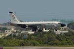 kon chanさんが、嘉手納飛行場で撮影したアメリカ空軍 RC-135S (717-148)の航空フォト(写真)