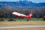 まいけるさんが、ミュンヘン・フランツヨーゼフシュトラウス空港で撮影したエア・ベルリン A320-214の航空フォト(写真)
