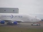 JA8037さんが、台湾桃園国際空港で撮影したボーイング 747-409(LCF) Dreamlifterの航空フォト(写真)