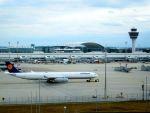 まいけるさんが、ミュンヘン・フランツヨーゼフシュトラウス空港で撮影したルフトハンザドイツ航空 A340-642Xの航空フォト(写真)