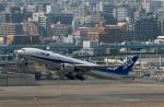 ぷぅぷぅまるさんが、福岡空港で撮影した全日空 777-281の航空フォト(写真)
