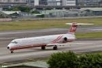 妄想竹さんが、台北松山空港で撮影した遠東航空 MD-82 (DC-9-82)の航空フォト(写真)