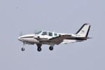 turenoアカクロさんが、高松空港で撮影した岡山航空 58 Baronの航空フォト(写真)
