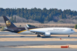 panchiさんが、成田国際空港で撮影したUPS航空 767-34AF/ERの航空フォト(写真)