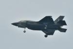 撮り撮り人さんが、岩国空港で撮影したアメリカ海兵隊 F-35の航空フォト(写真)