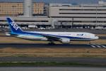 てくさんが、羽田空港で撮影した全日空 777-281/ERの航空フォト(写真)