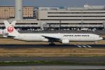 てくさんが、羽田空港で撮影した日本航空 777-346の航空フォト(写真)