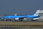 よしポンさんが、成田国際空港で撮影したKLMオランダ航空 777-206/ERの航空フォト(写真)