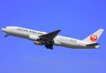 VICTER8929さんが、羽田空港で撮影した日本航空 777-246の航空フォト(写真)