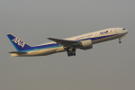 PASSENGERさんが、伊丹空港で撮影した全日空 777-281/ERの航空フォト(写真)