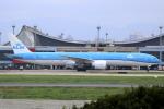 Koba UNITED®さんが、台湾桃園国際空港で撮影したKLMオランダ航空 777-306/ERの航空フォト(写真)