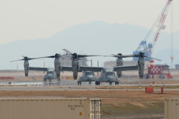 Kanarinaさんが、岩国空港で撮影したアメリカ海兵隊 MV-22Bの航空フォト(写真)