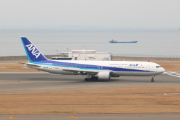 SIさんが、中部国際空港で撮影した全日空 767-381の航空フォト(写真)