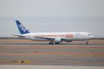 SIさんが、中部国際空港で撮影した全日空 767-381/ERの航空フォト(写真)