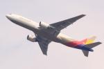多楽さんが、成田国際空港で撮影したアシアナ航空 777-28E/ERの航空フォト(写真)