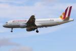 安芸あすかさんが、ロンドン・ヒースロー空港で撮影したジャーマンウィングス A320-211の航空フォト(写真)