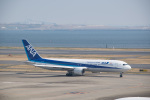 J-birdさんが、羽田空港で撮影した全日空 767-381の航空フォト(写真)