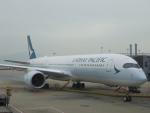 JA8037さんが、香港国際空港で撮影したキャセイパシフィック航空 A350-941XWBの航空フォト(写真)