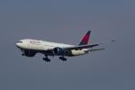 Mochi7D2さんが、成田国際空港で撮影したデルタ航空 777-232/LRの航空フォト(写真)