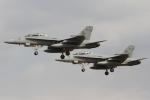 とらとらさんが、厚木飛行場で撮影したアメリカ海兵隊 F/A-18 Hornetの航空フォト(写真)