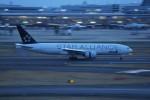 ぶるんねるさんが、羽田空港で撮影した全日空 777-281の航空フォト(写真)