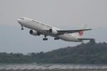 pringlesさんが、長崎空港で撮影した日本航空 767-346の航空フォト(写真)