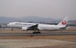 ayakahanさんが、伊丹空港で撮影した日本航空 777-246の航空フォト(写真)