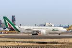 Y-Kenzoさんが、成田国際空港で撮影したアリタリア航空 A330-202の航空フォト(写真)