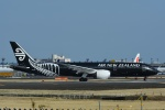 よしポンさんが、成田国際空港で撮影したニュージーランド航空 787-9の航空フォト(写真)