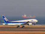 Cayenneさんが、中部国際空港で撮影した全日空 777-281の航空フォト(写真)