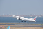 J-birdさんが、羽田空港で撮影した日本航空 777-346/ERの航空フォト(写真)