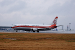 ひこ☆さんが、中部国際空港で撮影した日本トランスオーシャン航空 737-446の航空フォト(写真)