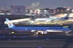 B747‐400さんが、羽田空港で撮影した大韓航空 777-3B5の航空フォト(写真)