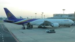 誘喜さんが、シンガポール・チャンギ国際空港で撮影したタイ国際航空 777-3D7/ERの航空フォト(写真)