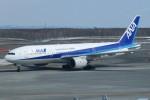 職業旅人さんが、新千歳空港で撮影した全日空 777-281の航空フォト(写真)