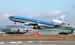 ハミングバードさんが、名古屋飛行場で撮影したKLMオランダ航空 MD-11の航空フォト(写真)