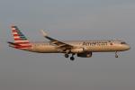 ゴンタさんが、ダラス・フォートワース国際空港で撮影したアメリカン航空 A321-231の航空フォト(写真)
