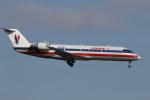 ゴンタさんが、ダラス・フォートワース国際空港で撮影したエクスプレスジェット・エアラインズ CL-600-2B19 Regional Jet CRJ-200ERの航空フォト(写真)