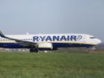 山麓さんが、ロンドン・ルートン空港で撮影したライアンエア 737-8ASの航空フォト(写真)