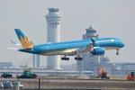 さくらの城南山。さんが、羽田空港で撮影したベトナム航空 A350-941XWBの航空フォト(写真)