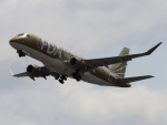 丸めがねさんが、名古屋飛行場で撮影したフジドリームエアラインズ ERJ-170-200 (ERJ-175STD)の航空フォト(写真)