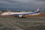 コギモニさんが、小松空港で撮影した全日空 777-381の航空フォト(写真)