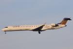 安芸あすかさんが、ロンドン・ヒースロー空港で撮影したユーロウイングス CL-600-2D24 Regional Jet CRJ-900 NextGenの航空フォト(写真)
