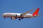 KAZKAZさんが、ドバイ国際空港で撮影したエア・インディア 787-8 Dreamlinerの航空フォト(写真)