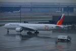 KAMIYA JASDFさんが、羽田空港で撮影したフィリピン航空 777-3F6/ERの航空フォト(写真)