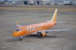 ライトブルーレフトさんが、名古屋飛行場で撮影したフジドリームエアラインズ ERJ-170-200 (ERJ-175STD)の航空フォト(写真)