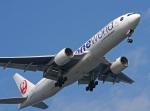 tkosadaさんが、羽田空港で撮影した日本航空 777-246の航空フォト(写真)