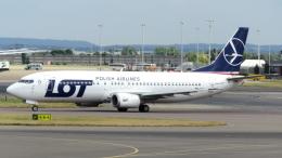 誘喜さんが、ロンドン・ヒースロー空港で撮影したLOTポーランド航空 737-45Dの航空フォト(写真)
