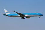 tomoMTさんが、成田国際空港で撮影したKLMオランダ航空 777-306/ERの航空フォト(写真)