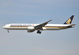 雲霧さんが、成田国際空港で撮影したシンガポール航空 777-312/ERの航空フォト(写真)